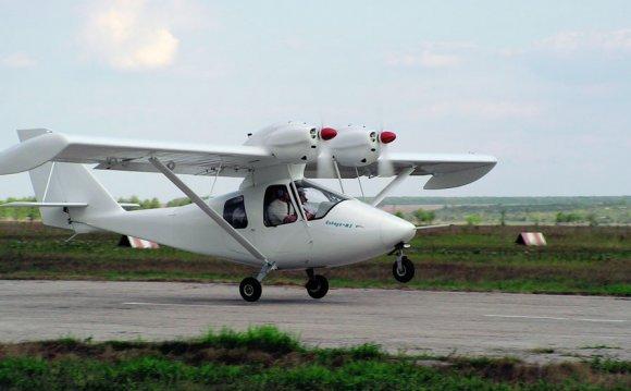 Четырехместный самолет Цикада